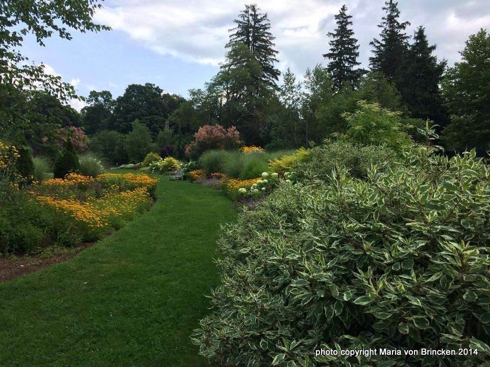 1-Bressingham Garden 014